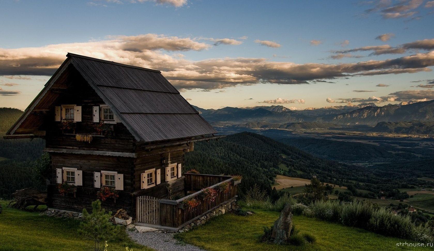 Дом на участке со сложным ландшафтом