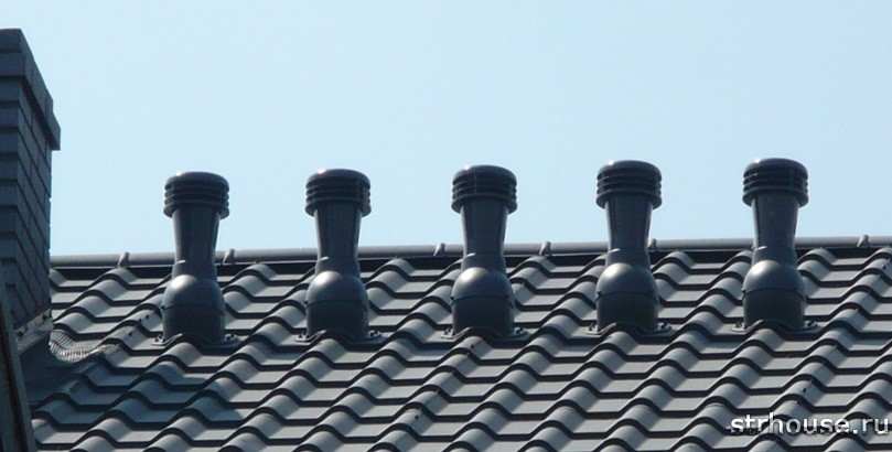 Фановые трубы на крыше