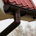 Самостоятельная установка сливов с крыши