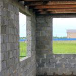 Какой толщины должны быть несущие стены дома