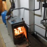 Достоинства и недостатки дровяных котлов для отопления дома