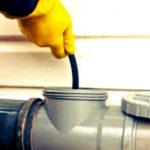 Как прочистить трубы канализации в доме – обзор приспособлений